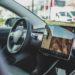 【車】テスラ「モデル3」が日本で最大156万円値下げ、EV価格競争激化  [ボラえもん★]